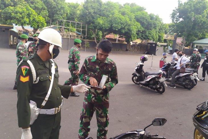 Detasemen Polisi Militer XVI/1 Ternate periksa kendaraan pribadi milik tentara