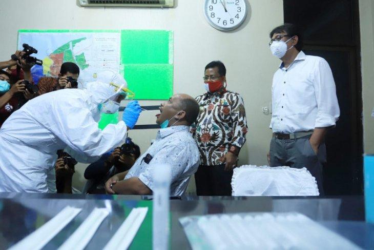 Wali kota Banda Aceh luncurkan tes swab corona massal