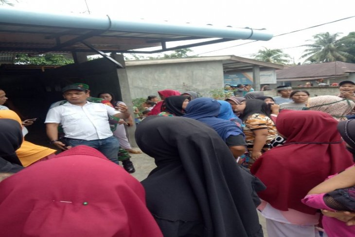 Ratusan warga Sei Bamban Batang Serangan Langkat unjuk rasa terkait bansos COVID-19