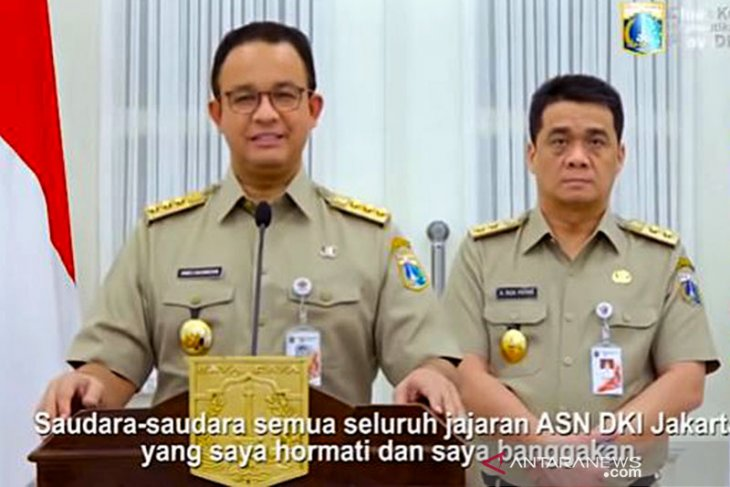 Anies outlines 4 principles for transitional social distancing