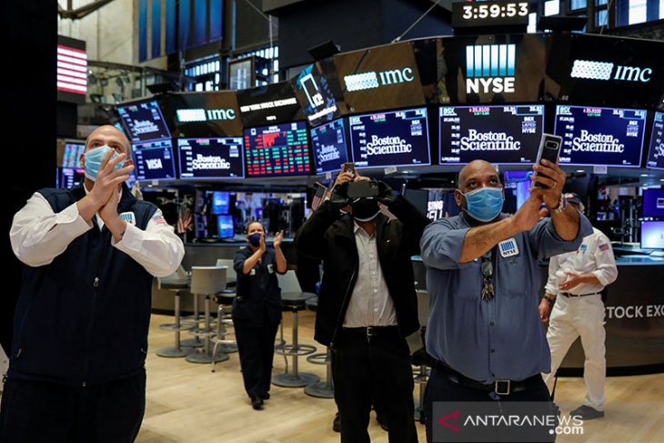 Saham di Wall Street bervariasi di tengah klaim pengangguran yang mengecewakan