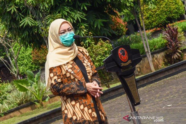 Pedagang keliling terdampak COVID-19 di Purwakarta dapat bantuan modal usaha