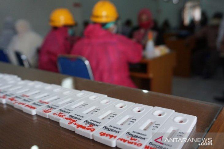 Rapid test pegawai PD Pasar Medan, reaktif COVID-19 dua orang