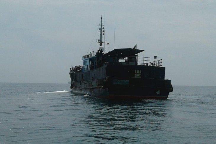 Kapal berbendera Hongkong memuat ikan kerapu Pulau Kampai Langkat
