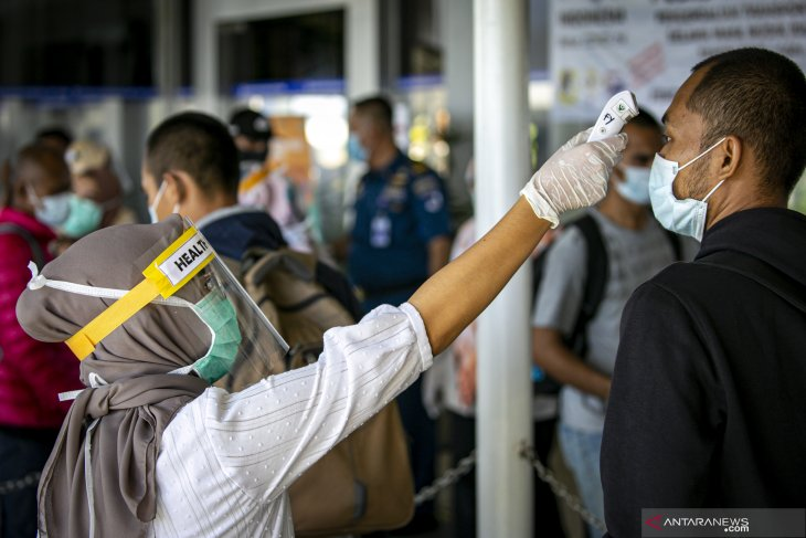 197 quarantined migrant workers in Batam await returning to hometowns