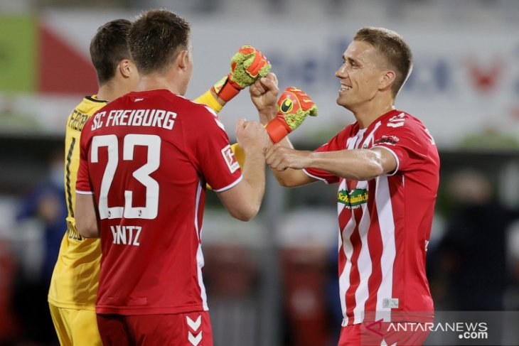 Gol semata wayang Petersen jaga asa Liga Europa Freiburg