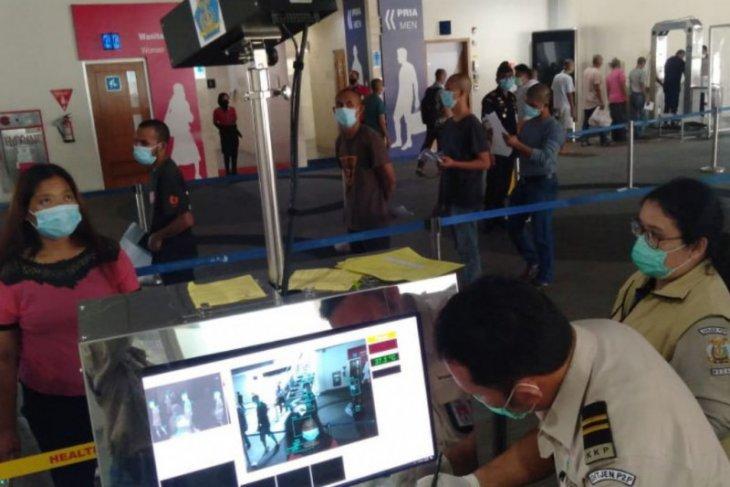 Seratusan  WNI dari Malaysia di Kualanamu jalani protokol kesehatan