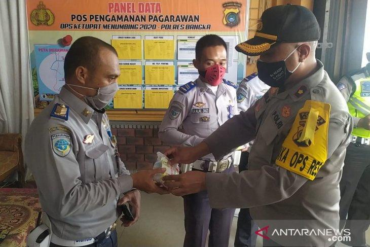 Polres Bangka bagikan masker dan suplemen untuk personel