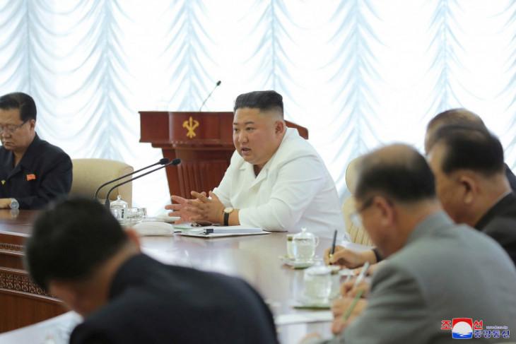 Kim Jong Un:  Bisa dikatakan corona telah masuk ke Korut