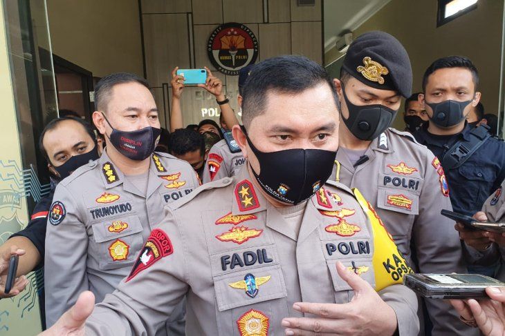 Polda Jatim terjunkan ribuan personel kawal masa transisi di Surabaya Raya