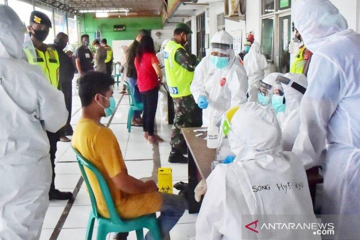 Pasien positif COVID-19 dari klaster Pasar Cileungsi bertambah enam orang