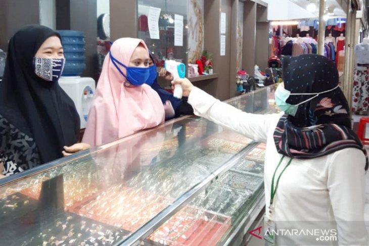 Penerapan protokol kesehatan di Pasar Cileungsi Bogor diperketat