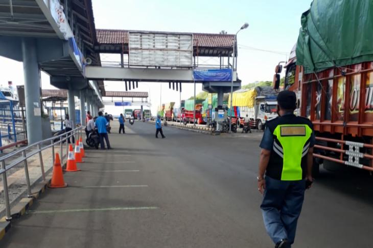 Penumpang di Pelabuhan Padangbai turun 95 persen