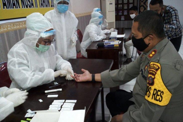 100 personel Polres Binjai tes cepat hasilnya non reaktif