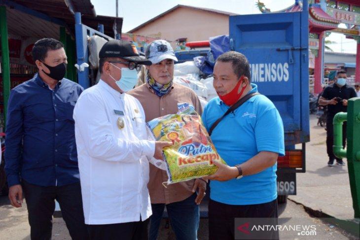 Kubu Raya salurkan 1.626 paket sembako COVID-19