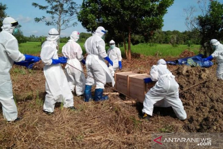 Mensos Juliari apresiasi Tagana garda terdepan pemakaman jenazah Covid-19