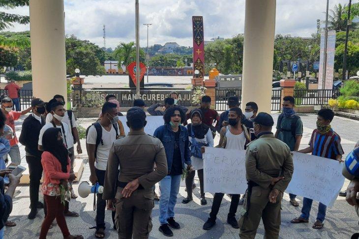 PKL pasar Mardika tolak Perwali Ambon tentang PKM