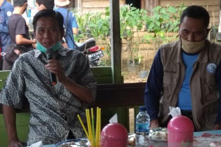 Bupati Bangka Tengah pantau penyaluran bantuan tunai ke warga desa