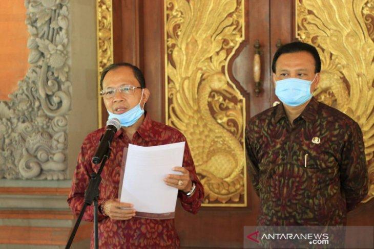 Koster minta pusat izinkan Bali tetap berlakukan PCR di bandara