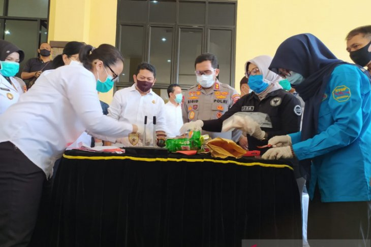 Polda Kalbar musnahkan barang bukti sebanyak dua kilogram sabu-sabu
