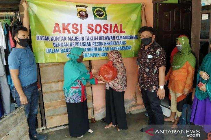 BKMT - Polres Bengkayang bantu warga terdampak COVID-19