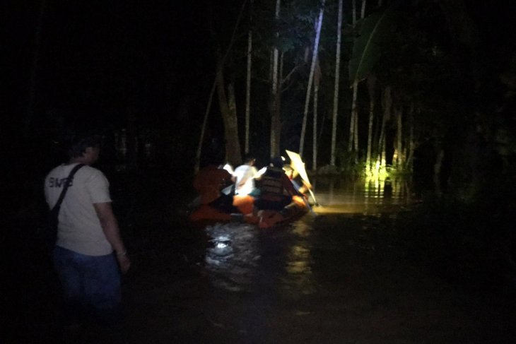 Seorang bayi terseret banjir di OKU ditemukan meninggal