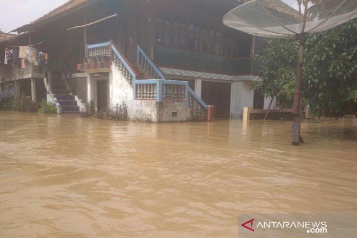 Floods swamp some 300 homes in Ogan Komering Ulu, South Sumatra