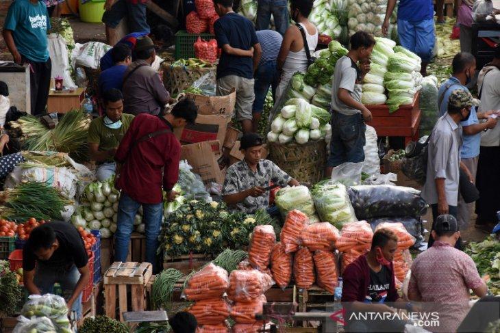 Pedagang dan pengelola pasar tradisional wajib tingkatkan disiplin dampak pandemi