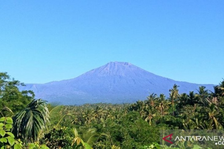 BTNGR to soon reopen Mount Rinjani's hiking trails for climbers
