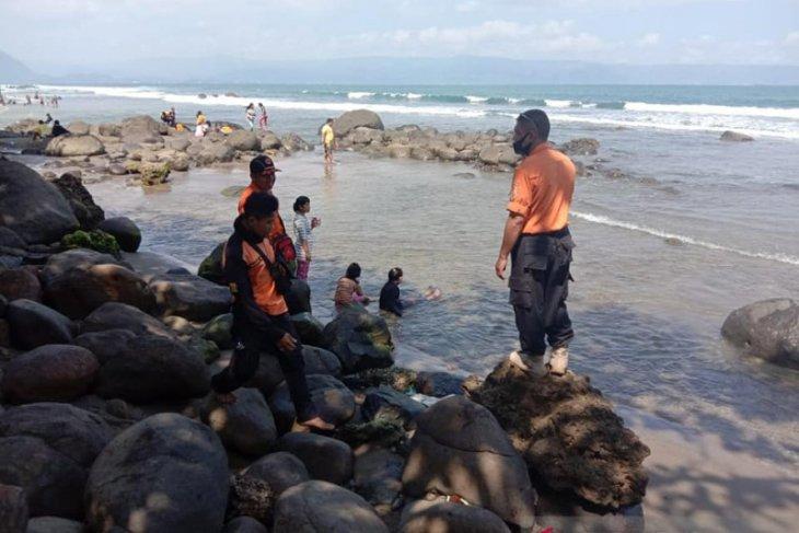 Tim SAR gabungan berhasil temukan jasad wisatawan korban kecelakaan laut di Sukabumi