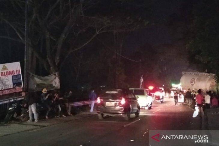 Satu meninggal, tabrakan beruntun di Cianjur-Sukabumi
