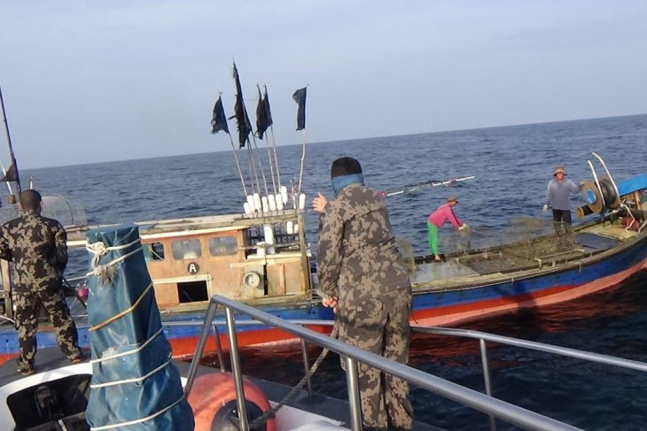 Filipino, Malaysian fishing boats detained by Indonesia over poaching