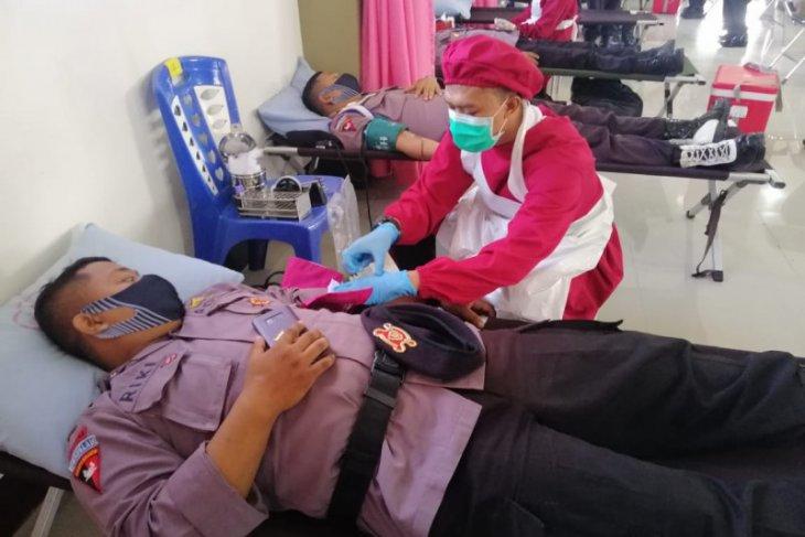 Peringati Hari Bhayangkara ke-74, Polda Kalbar gelar donor darah