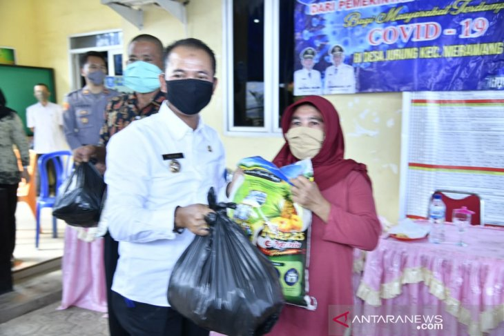 Government aid packages distributed to Bangka's households