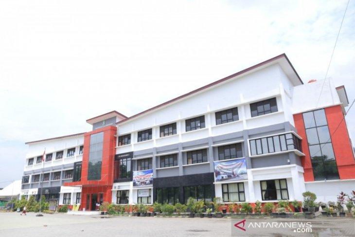 Siswa baru tingkat SD Kota Tangerang daftar ulang  pada Kamis (18/6)