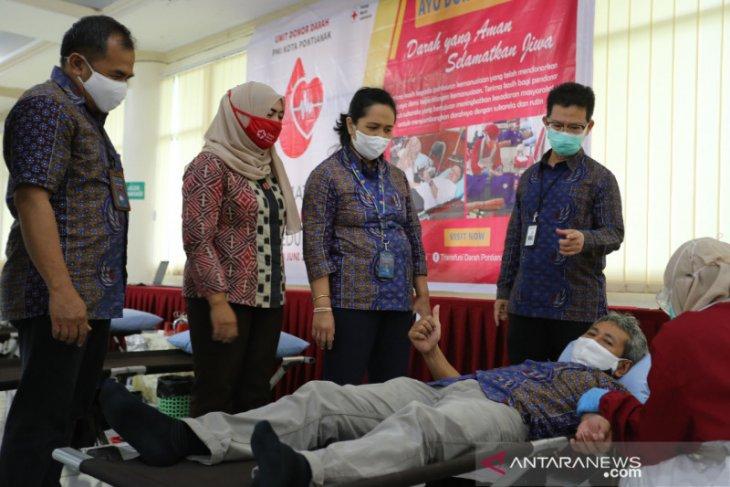 Jaga stok saat wabah COVID-19, karyawan PLN Kalbar donor darah
