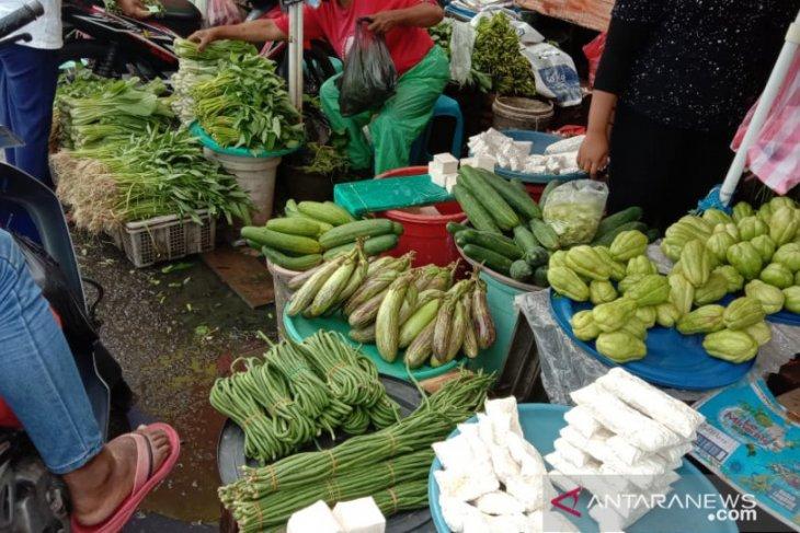 Harga berbagai jenis sayuran dipasar  Ambon bertahan