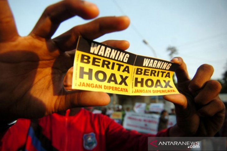 Isu penutupan jalan Sintang-Melawi dengan pagar seng  adalah hoaks