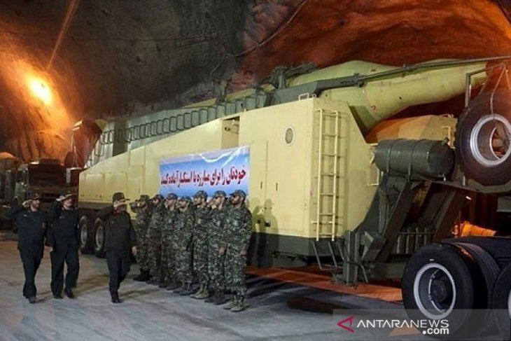 Iran umumkan rudal balistik dan jelajah di saat ketegangan dengan AS