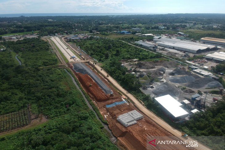 Jokowi seeks alternative funding sources for Trans-Sumatra highway