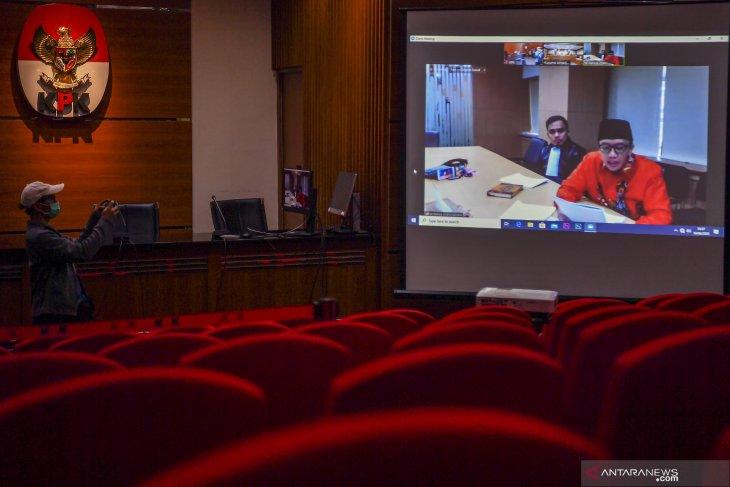 Mantan Menpora  Imam Nahrawi berharap bebas jelang pembacaan vonis
