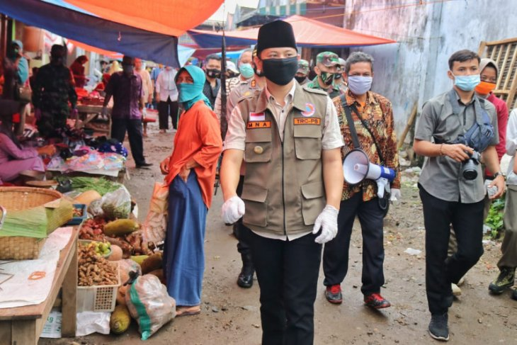 Aktivitas  pasar tradisional di Trenggalek berangsur normal
