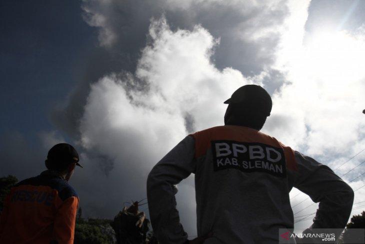 Indonesia's Mount Merapi erupts twice on Sunday