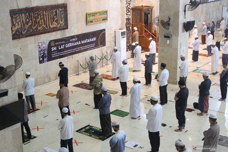 Sejumlah masjid gelar Shalat Gerhana Matahari berjamaah