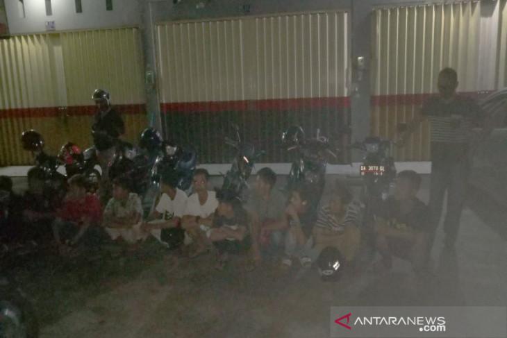 Polsek Banjarmasin Timur tindak lajuti laporan warga bubarkan balapan liar