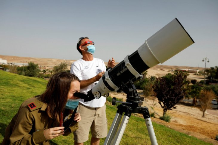 Gerhana matahari cincin bertepatan dengan fase bulan baru 10 Juni 2021