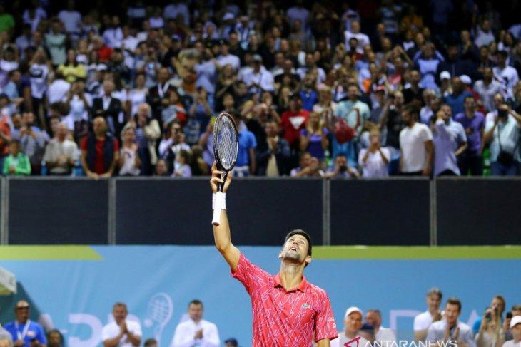 Djokovic dan istrinya dipastikan positif terpapar virus corona