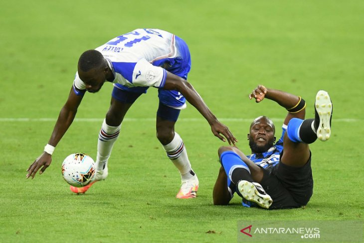 Lukaku-Martinez bawa Inter bertahan di papan atas