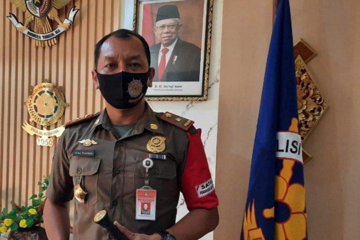 Satpol PP-pecalang-relawan amankan pintu masuk Bali