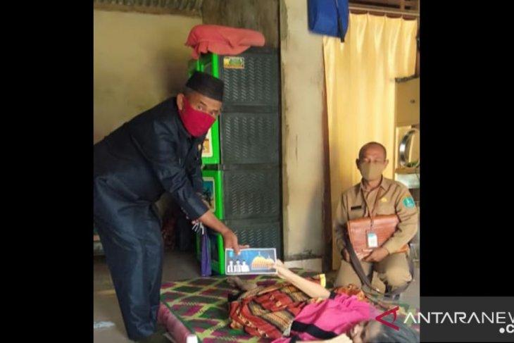 Ketua DPRD Bangka salurkan bantuan